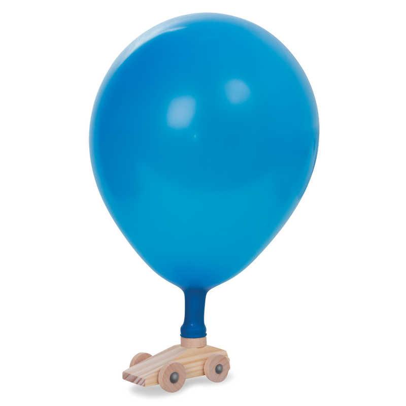 Voiture en bois à ballon